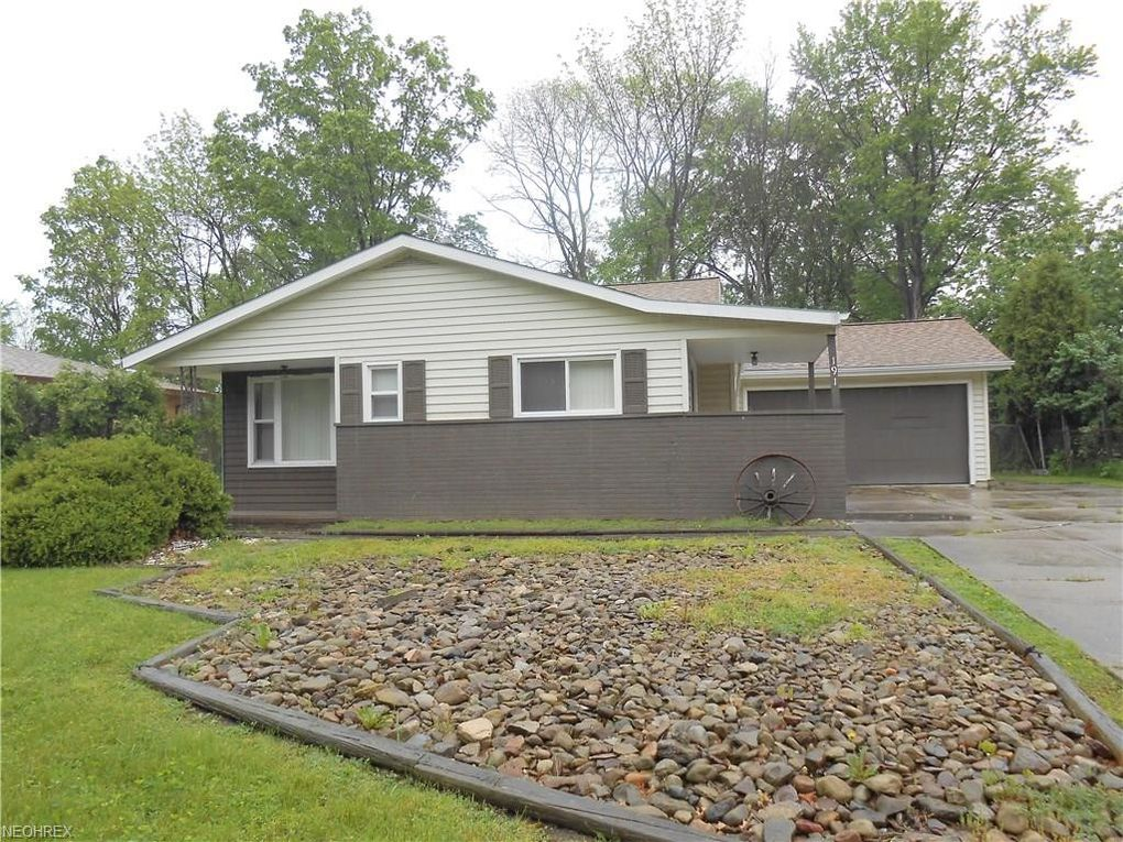SOLD! 191 E Overlook Dr, Eastlake, OH 44095